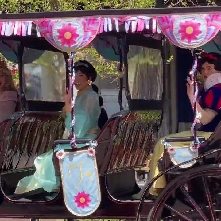 Four Disney Princesses Take A Horse Drawn Ride Thru Epcot Walt Disney World (1)_Moment